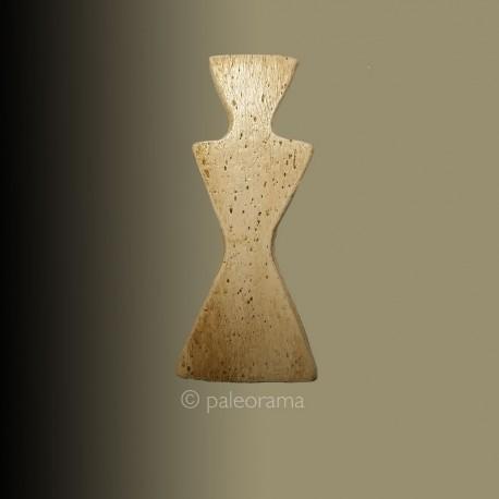 Idolo tri triangular de Cova d'en Pardo