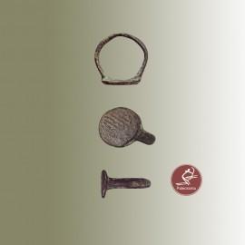 Anillo romano de bronce