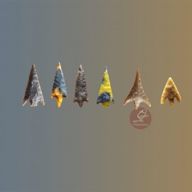 Punta de flecha con aletas y pedúnculo
